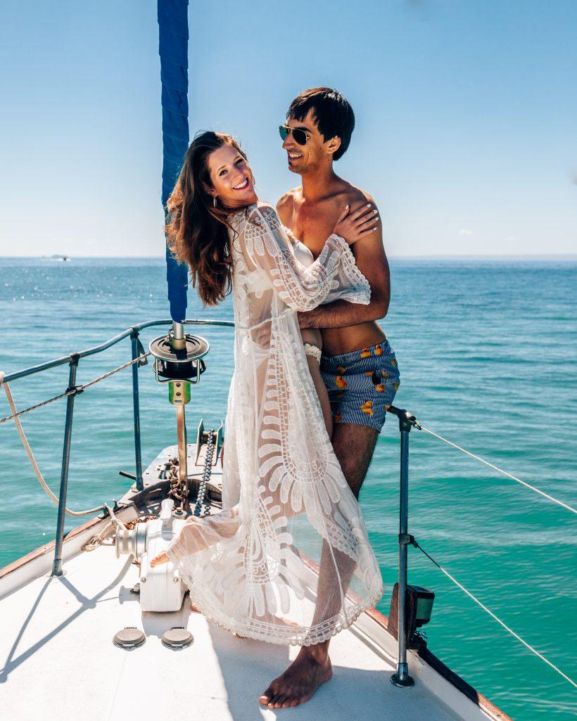 Couple on Dream Chaser Charters Sailboat Tour to Espiritu Santo Island
